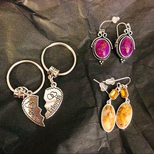 🆕 Best Friends Keychain + Earrings Bundle
